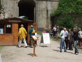 <a href='http://www.doullens-tourisme.com/visiter/groupes/'>Organisez des visites de groupes</a>